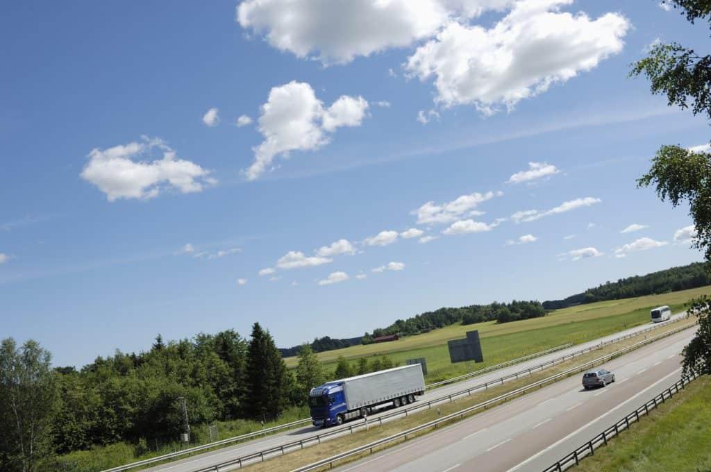 Bendix-Based Safety System Standard on Volvo VNL and VNR
